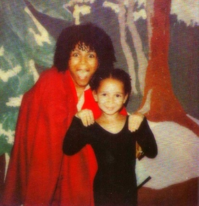 maya-rudolph-with-her-mom-minnie-riperton