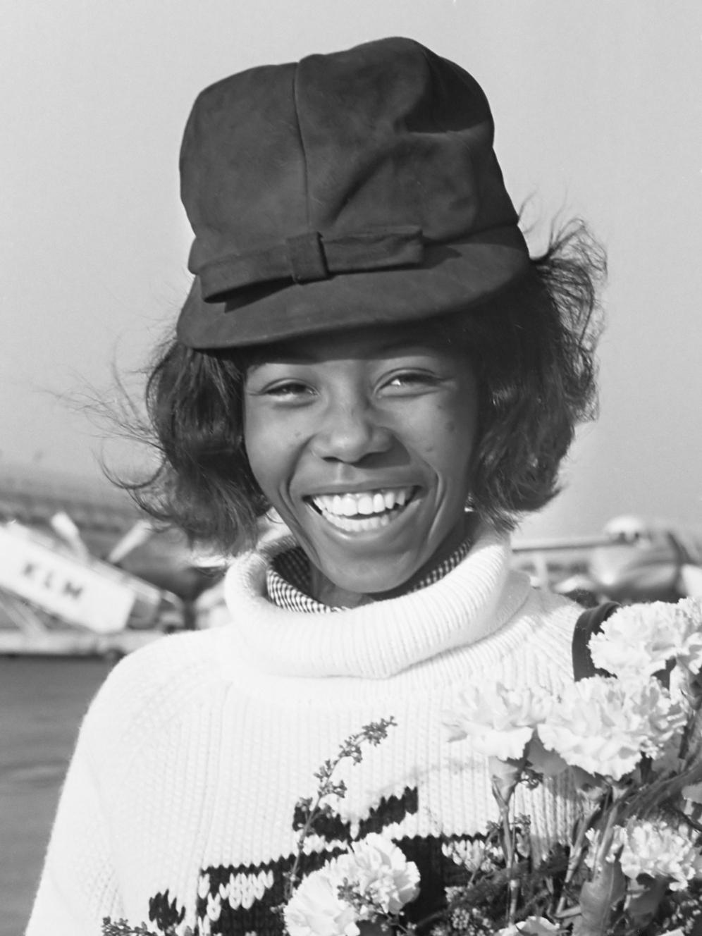 Aankomst Milly Small uit Jamaica op Schiphol, deelneems Grand Gala du Disque *2 oktober 1964