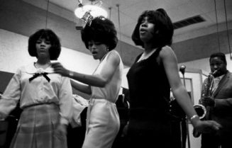1965 USA. Detroit. The Supremes. USA. Michigan. Detroit. THE SUPREMES & Diana ROSS (center) at the Motown recording Studios. Image send to Greg Kucera (Transaction : 632060015659531250) © Bruce Davidson / Magnum Photos