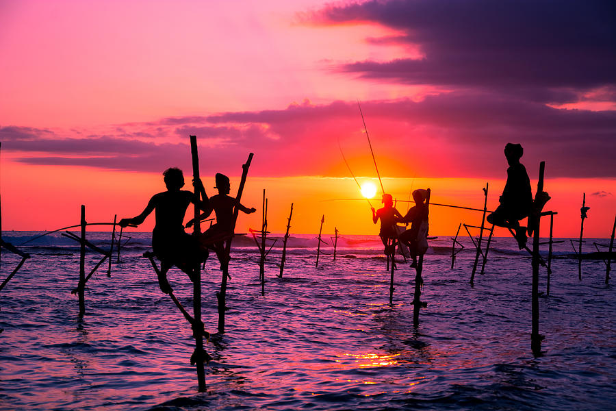 traditional-fishermen-in-sri-lanka-suranga-weeratunga