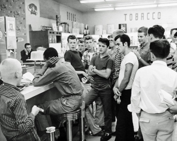 civil-rights-restaurant-sit-in_104176